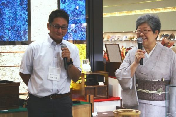 駿河竹千筋細工の斉藤祐貴さんは子供の頃に竹細工にはまり現在に至るそうで、駿河の竹細工についてお話をしていただきました。