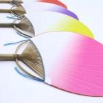 丸亀うちわ「小万月ぼかし」は7種類の色を取り揃えています。